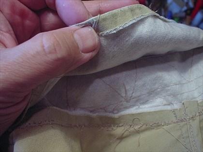 釣り用ジャケットの襟を直す