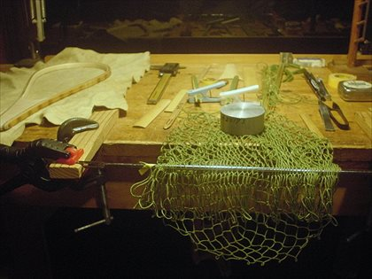 根気がいるネット編み。