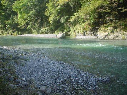 台風後の奥多摩川1