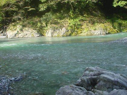 台風後の奥多摩川3