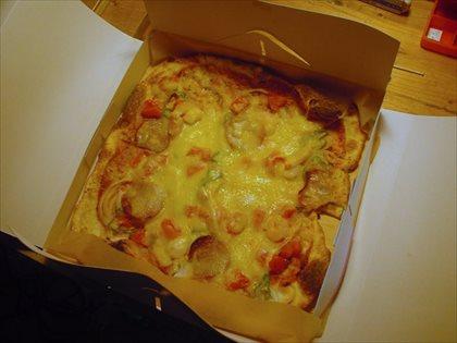 キッチン・メイフライのピザ