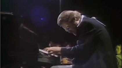 Bill Evans Live - Garys Waltz (Jazz Piano) - YouTube